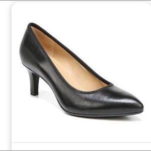 Naturalizer N5 Comfort Size 6.5 Black Point Heels